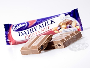 Cadbury Fruit & Nut Schokolade 49 g